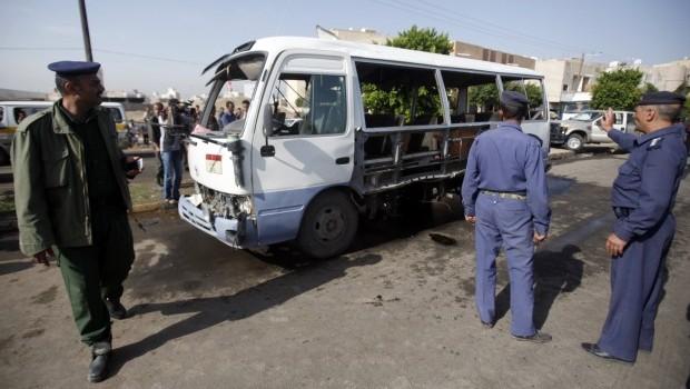 Yemen: Bus bomb strikes capital as presidential committee agrees on ceasefire