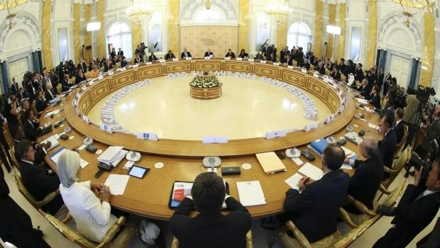 Leaders of China, Japan hold 'brief talk' at G20