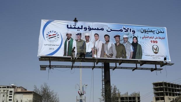 Al-Qaeda gunmen overrun major Yemen military base