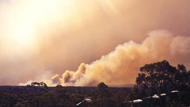 Winds, heat keep wildfire risk high in Australia