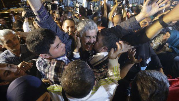 Syria: Lebanese hostages and Turkish pilots freed