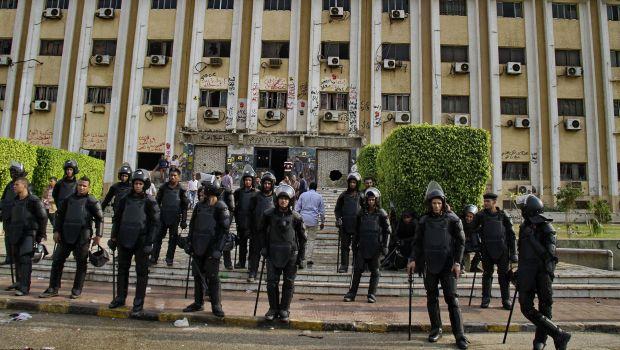 Egypt: Police break-up Al-Azhar protests