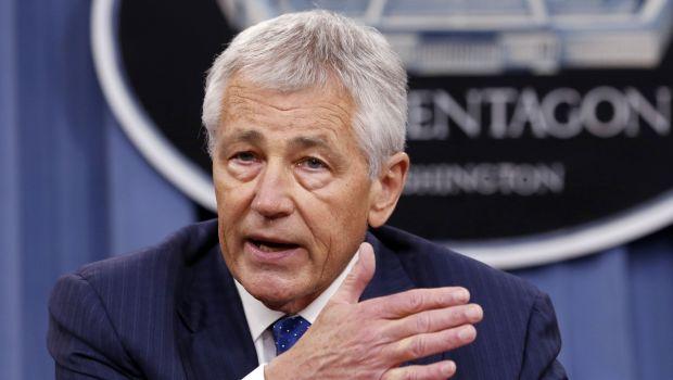 Pentagon recalls most civilian defense employees idled by shutdown