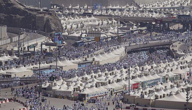 Muslims across the globe celebrate Eid