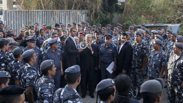 Interior minister says Lebanon facing five main dangers in 2014