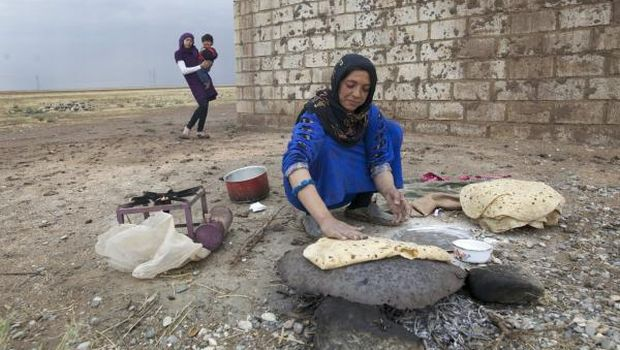 Syrian official says UBAF bank unlocking frozen funds for food