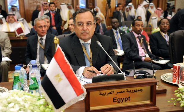 Egypt foreign minister at Arab–African Summit in Kuwait