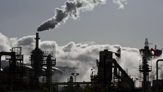 Kurdish oil seen flowing through Turkish pipeline within weeks