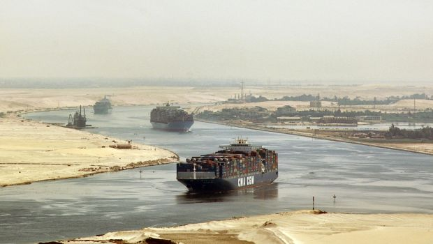 Egypt: Authorities tighten security measures around Suez Canal