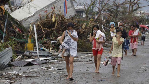 Philippine typhoon deaths climb into thousands