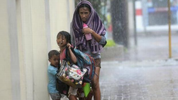 Year's strongest typhoon blasts Philippines