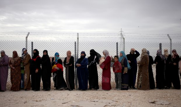 UNHCR: Syrian refugees to hit 4 million mark in 2014