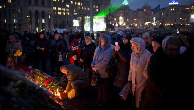 Ukraine's turmoil brings tough challenge to Putin