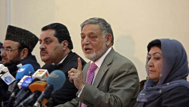 Partial results show tight race in Afghan election