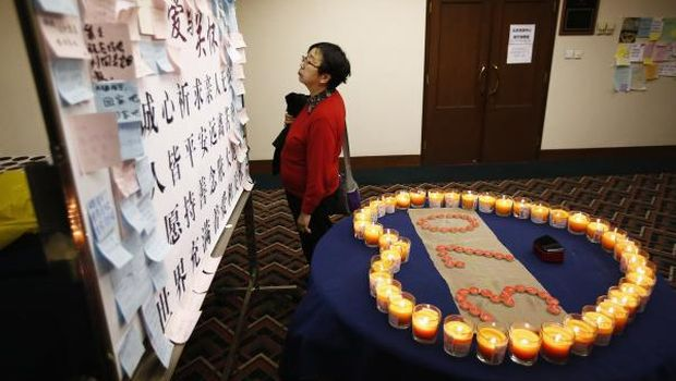 Malaysia changes last words from missing plane, hunt goes on
