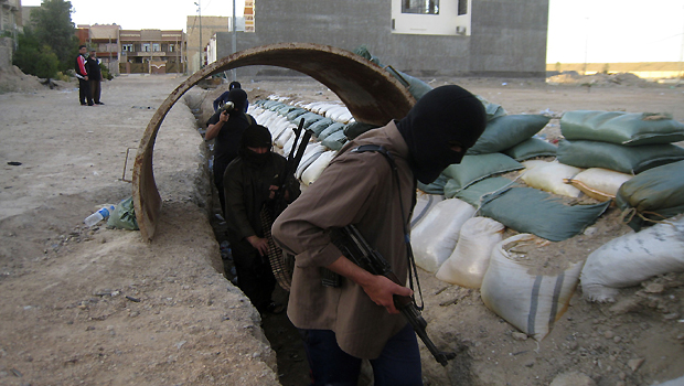 ISIS bolsters presence in eastern Syria, advances towards Iraq
