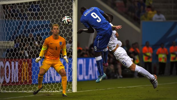 Balotelli goal gives Italy 2–1 win over England