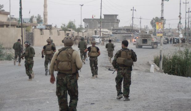 Iraq: Kurds build border defenses and plan for US military help