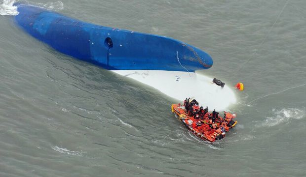 Teens helped each other escape sinking Korean ship