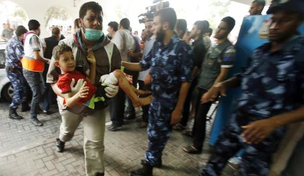 At least 40 dead in Israeli attack on Gaza district: hospital