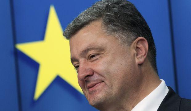 EU edges to economic sanctions on Russia but narrows scope