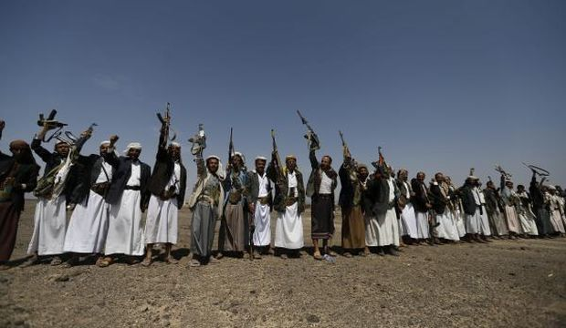 Yemen: Fight against Al-Qaeda continues as Houthis call for protests