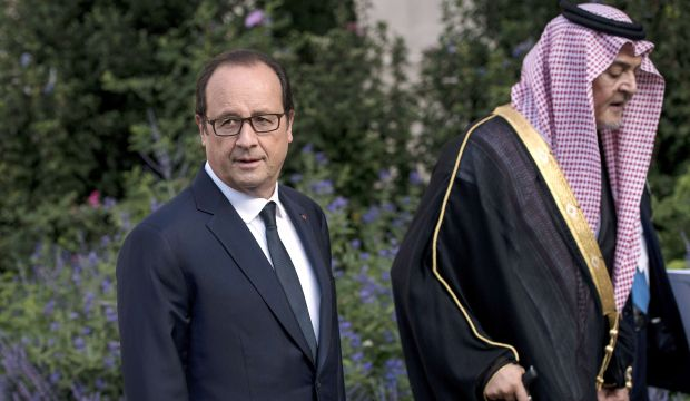 """France opens Iraq conference urging """"global"""" fight on jihadists"""