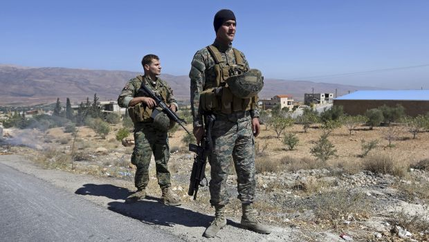 Nusra Front execute Lebanese soldier, call on Hezbollah to withdraw