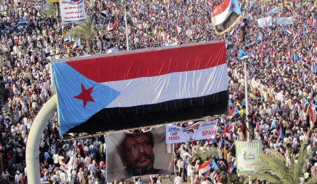 Houthis take control of Yemeni port city