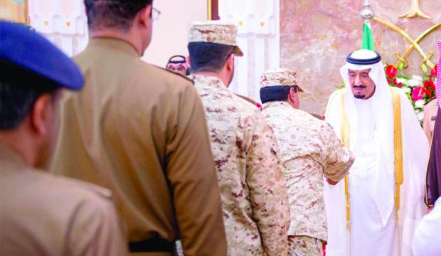 """King Abdullah praises """"colossal efforts"""" of Saudi security forces"""
