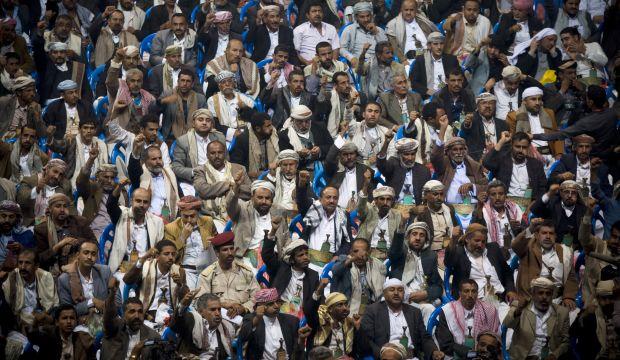 Yemen's Houthis turn up the pressure on Hadi