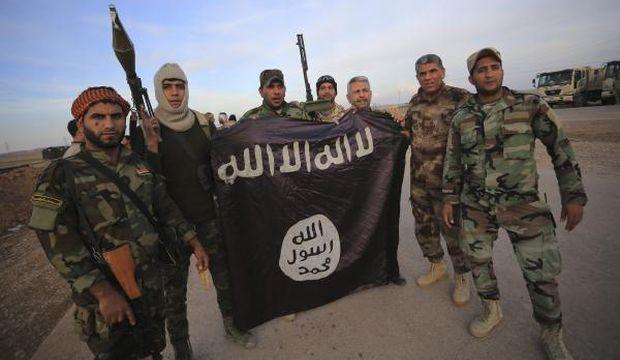Iraqi troops retake 2 towns in eastern province