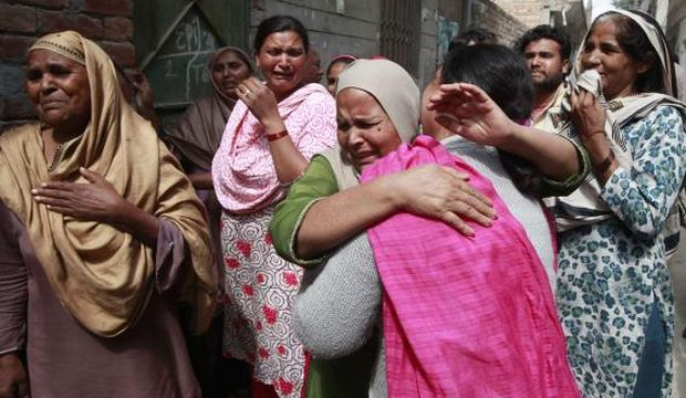 Twin bombings at churches in Pakistan kill 14, wound 78