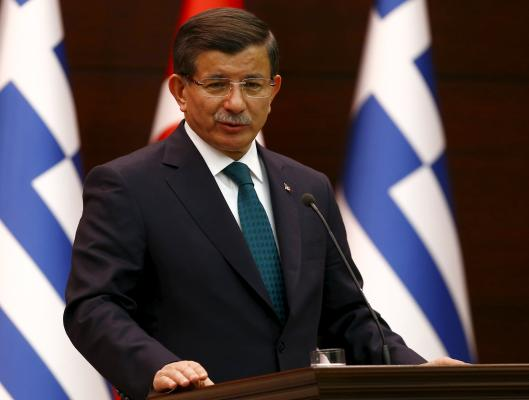 Greek President Accuses Turkish Port Officials of Helping People Smugglers
