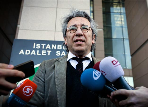 Turkish Prosecutor Seeks Life Sentence for 2 Jailed Journalists