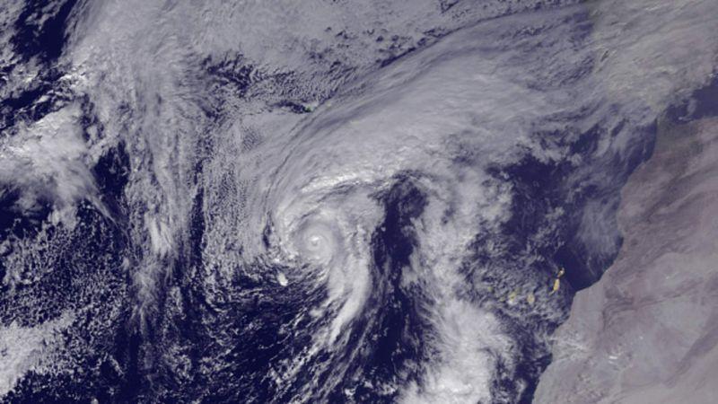 Hurricane Alex Hits Azores Less Hard than Feared