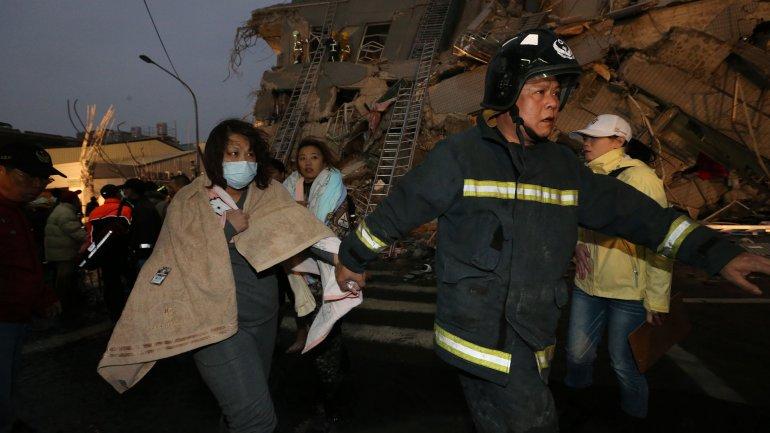 Taiwan Earthquake Leaves 12 Dead, 475 Injured