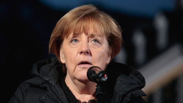 Merkel Presses Greece to Speed up Efforts to Shelter Refugees