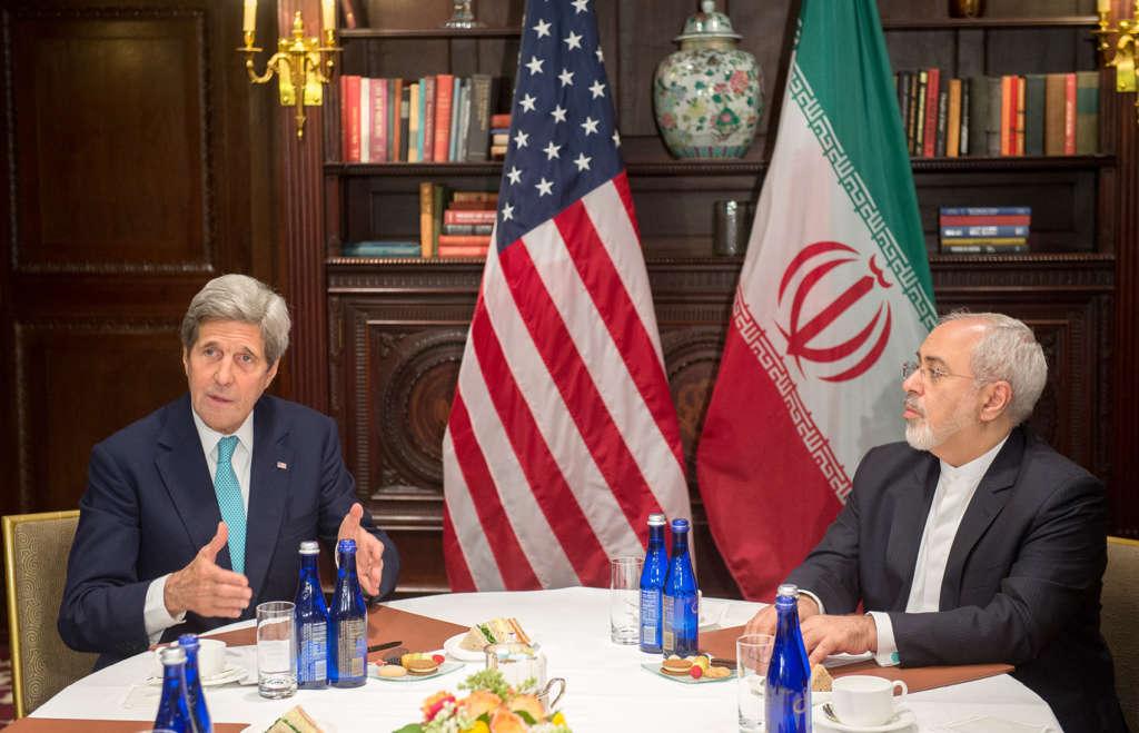 Hundreds of Scholars Denounce IRGC Prying into Iranian Politics