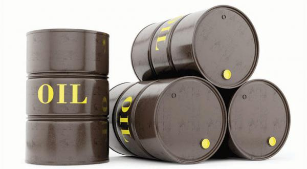 Saudi Oil Stockpiles Hit 18-Month Low in March as Output Flows