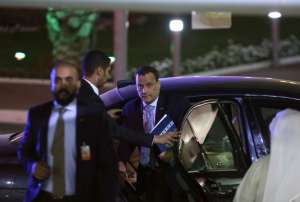Yemen's United Nations envoy Ismail Ould Cheikh Ahmed arrives for a press conference at the ministery of information in Kuwait City on April 30, 2016