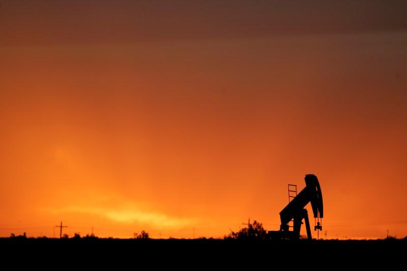 Oil Prices Settle at 2016 Highs on Global Supply Disruptions