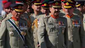 This file picture shows General Raheel Sharif to the left of then Pakistan army chief General Ashfaq Parvez Kayani (Left). (Photo: Reuters)