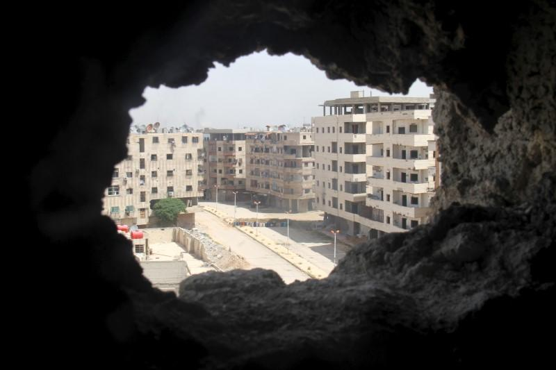 Opposition Factions Ally with Nusra to Clear ISIS out of Yarmouk Camp