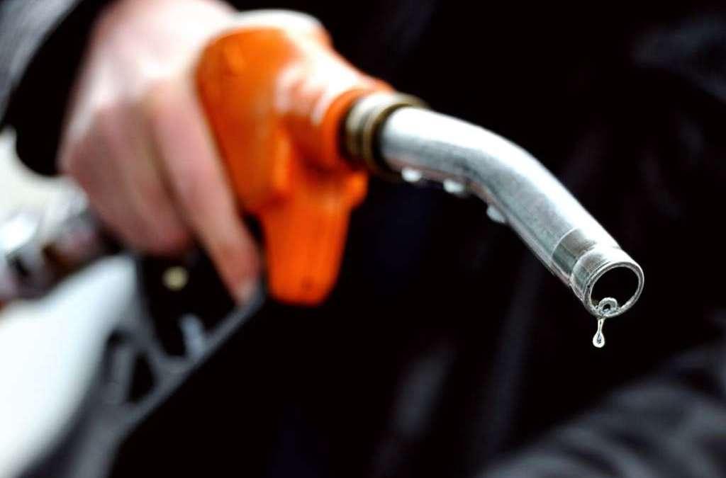 Oil Markets Undergo Mass Movements, Prices Inch USD50 per Barrel