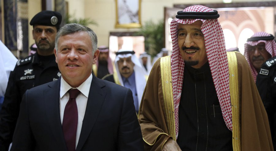 King Salman Confirms Supporting Jordan in War against Terrorism