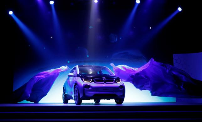 """BMW Revamps """"i"""" Electric Car Division to Focus on Self-Driving Tech"""