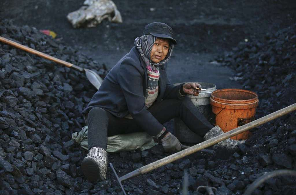 China: State-run Steel, Coal Firms to Cut 10 Percent of Capacity
