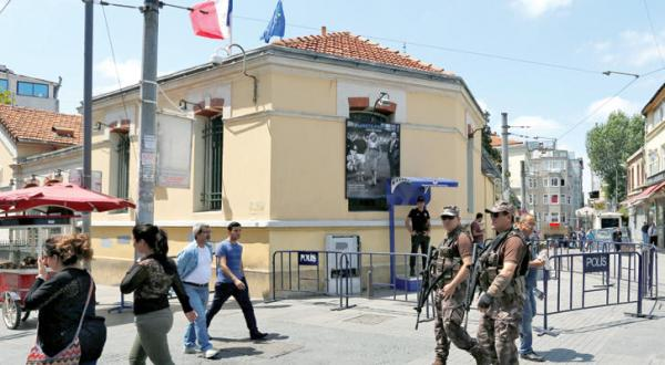 Terrorist Threats Force France to Close its Diplomatic Missions in Turkey