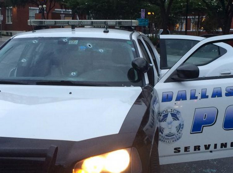 Five Officers Killed, 6 Injured in Dallas Shooting Protest